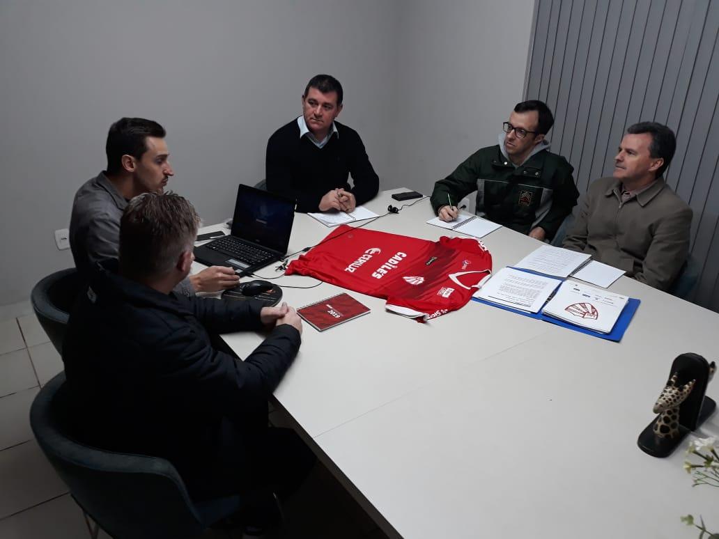 Mesa Diretora do Conselho debate gestão tecnológica no São Luiz
