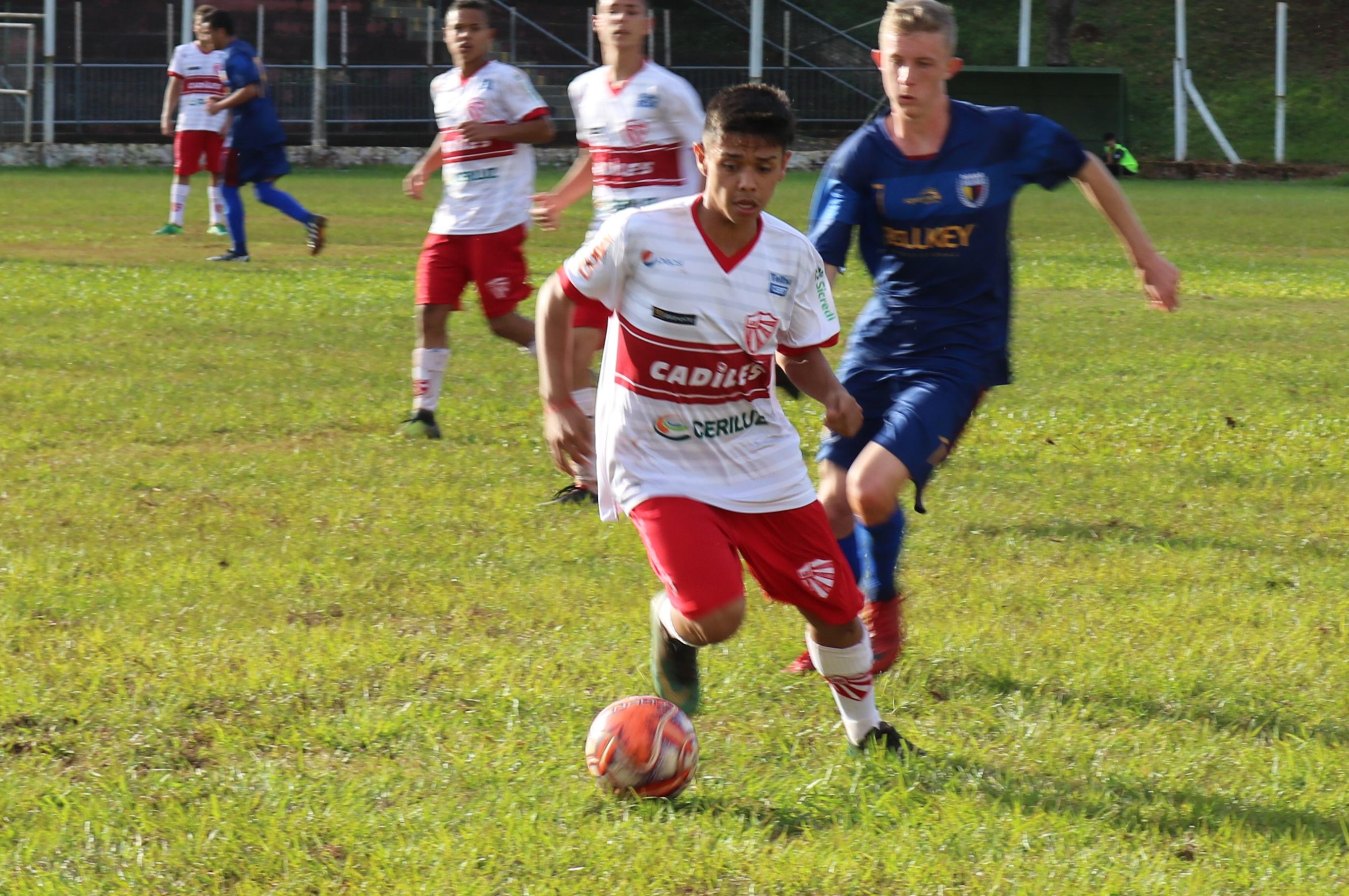 Volante com passagem pelo sub-17 do São Luiz vai jogar em São Paulo