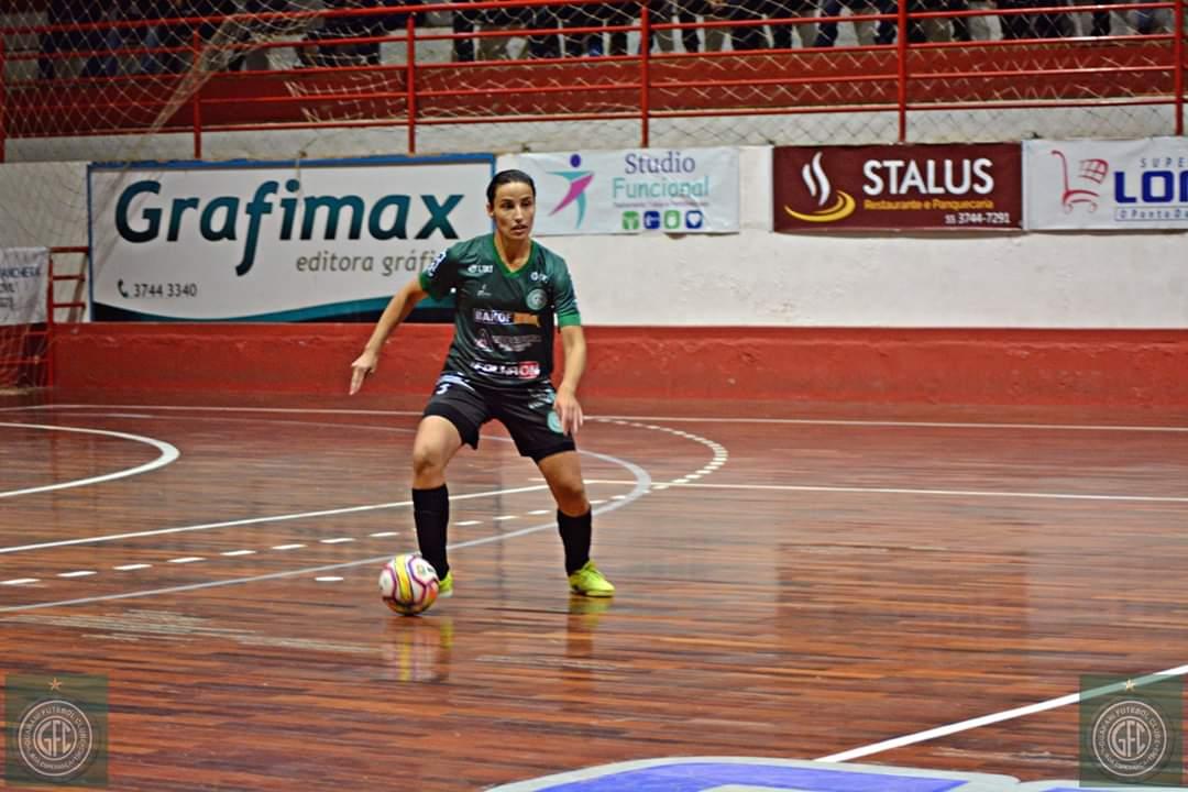 Ijuiense Taís Bidinha representa município em 2 torneios de futsal feminino