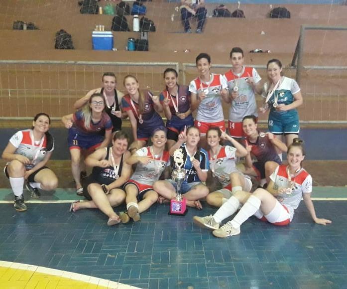 Equipe de Ijuí conquista título de torneio de futsal feminino