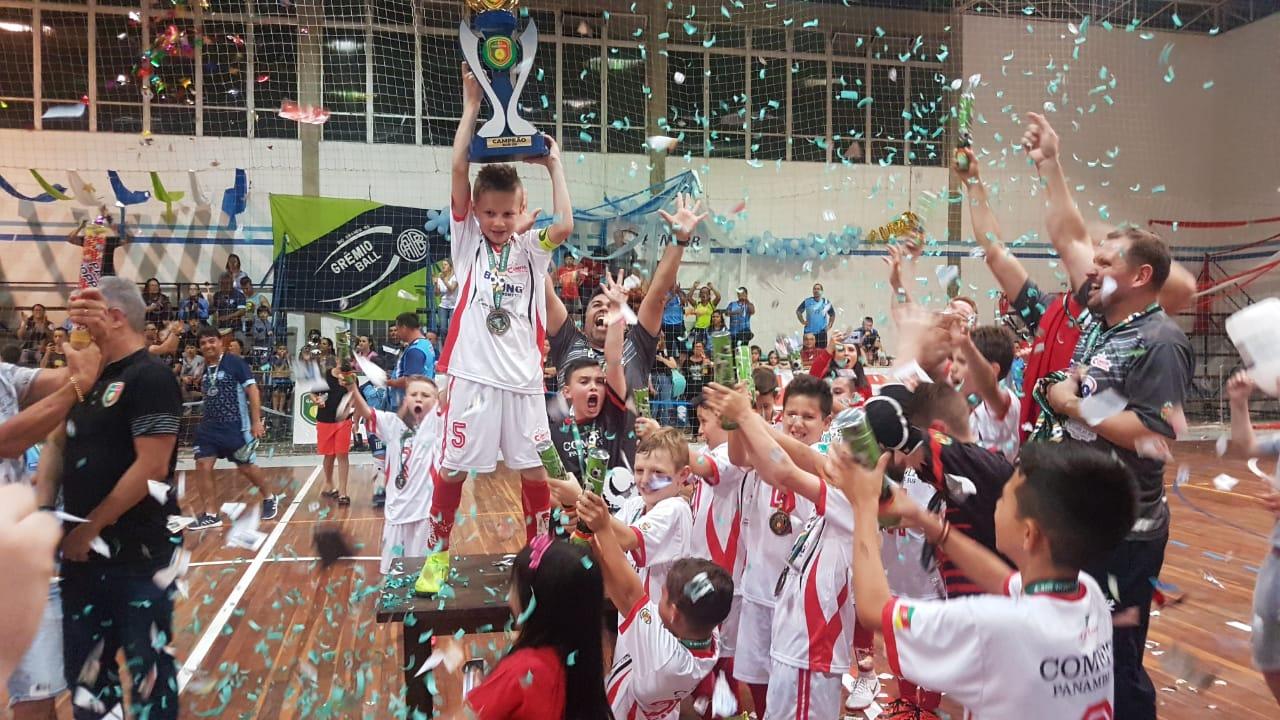 Atleta ijuiense é destaque na Liga Gaúcha e Sul Brasileiro de Futsal