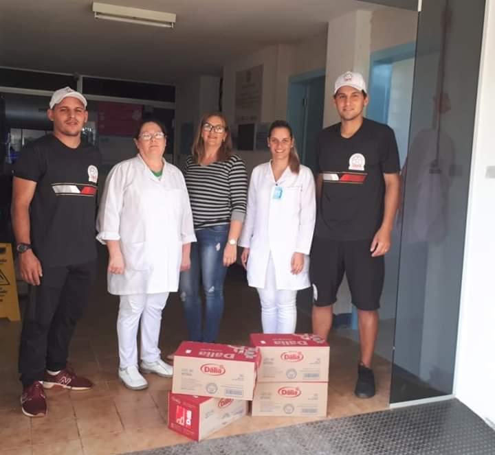 UEFA Ajuricaba doa 48 caixas de leite para o UCP Hospital