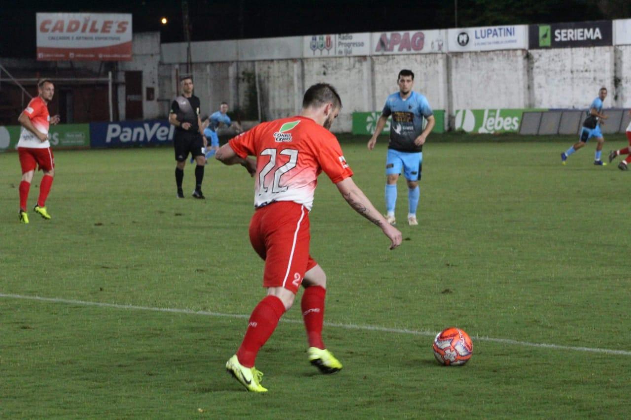 """""""Temos que ter mais empatia e amor ao próximo"""", afirma atleta que joga futebol amador em Ijuí e região"""