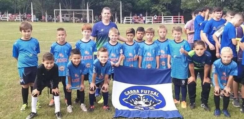 Escolinha Garra de Futsal de Jóia completa 3 anos de atividades
