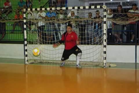 """""""Devemos aproveitar todo o momento com quem amamos"""", diz goleiro que atua no futsal da região"""
