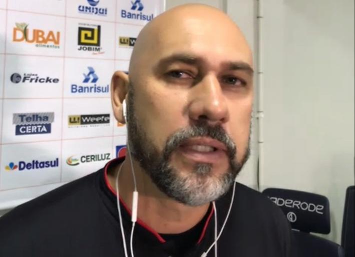 Técnico do São Luiz, Antônio Picolli fala sobre a vitória diante do São José