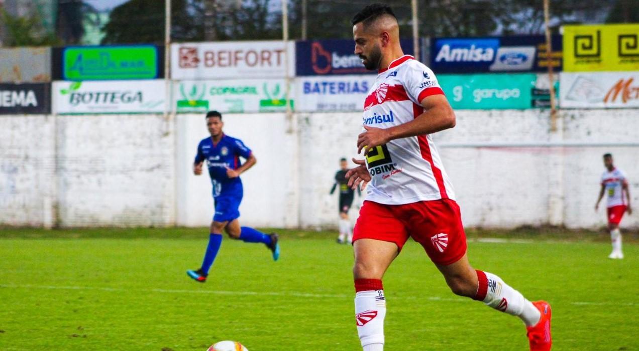 Éverton Júnior fala sobre lesão e duelo do São Luiz contra o Joinville