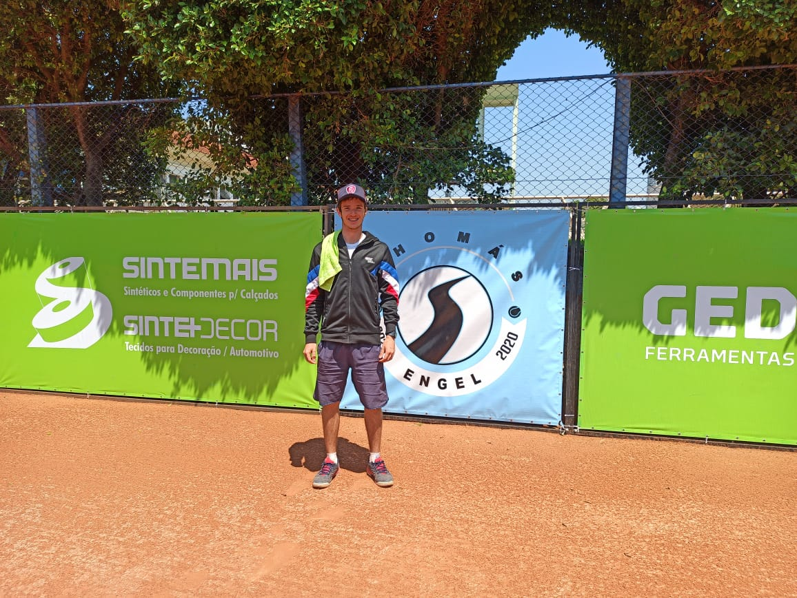 Davi Lauenstein é vice-campeão sub-16 da Copa Thomás Engel