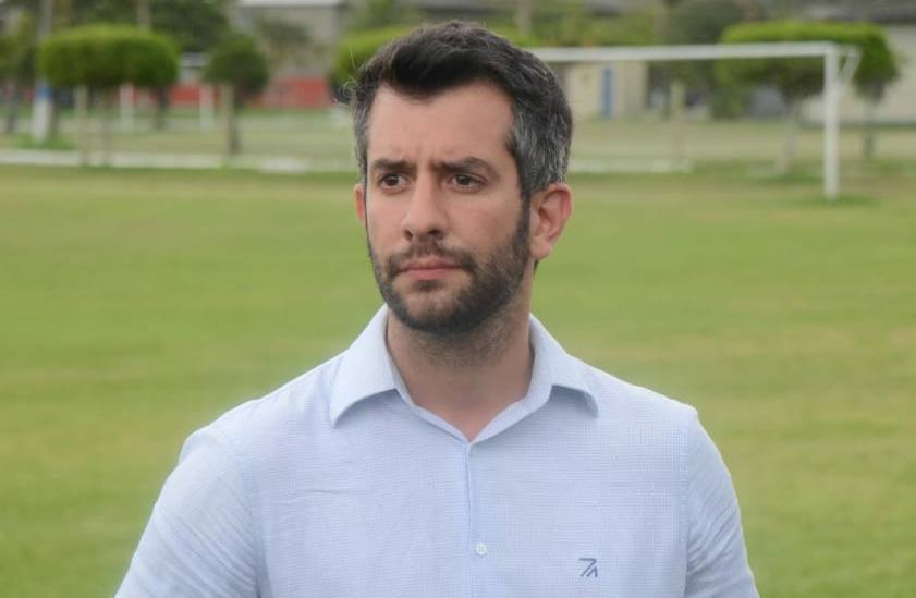 Diretor executivo de futebol da Cabofriense afirma que clube quase desistiu de disputar a série D