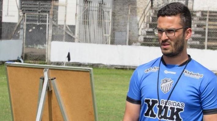 Em seu segundo trabalho como treinador, William Campos projeta decisão da Copa Ibsen Pinheiro