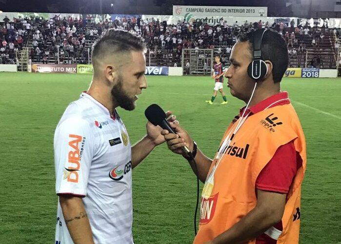 São Luiz confirma o retorno do atacante Gustavo Xuxa
