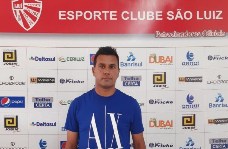 Rafael Rodrigues completa 15 anos trabalhando na base do São Luiz