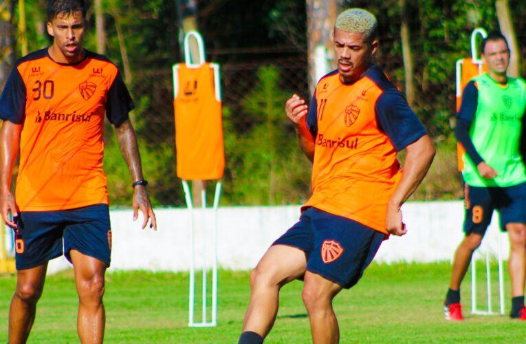Atacante Ariel fala do desafio de defender o São Luiz no Gauchão 2021