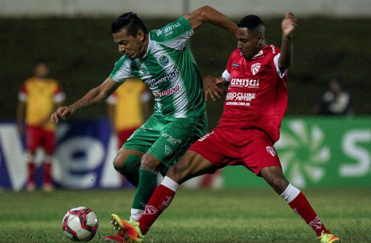 Gustavo Xuxa faz gol antológico e São Luiz vence o Juventude