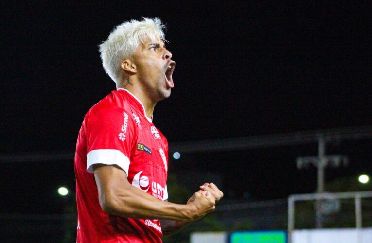 """""""Minha família sabe a dificuldade que vinha passando, por isso sou grato ao São Luiz pela oportunidade"""", diz Gabriel Araújo"""