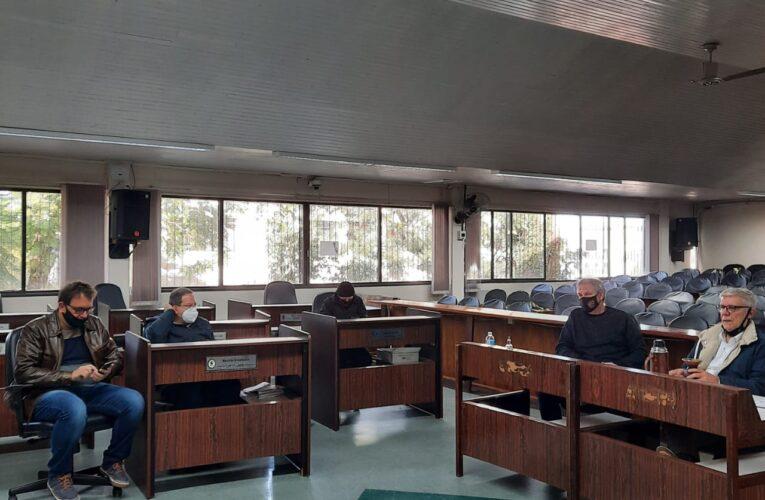 Direção do São Luiz se reúne com vereadores para discutir cedência de área do complexo do Sesi